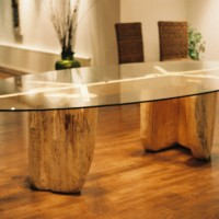 19. Table base with oval glass top in oak